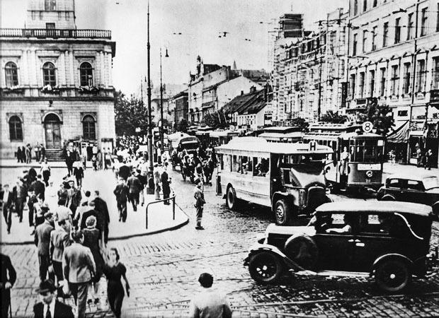 Historia 1931-1940
