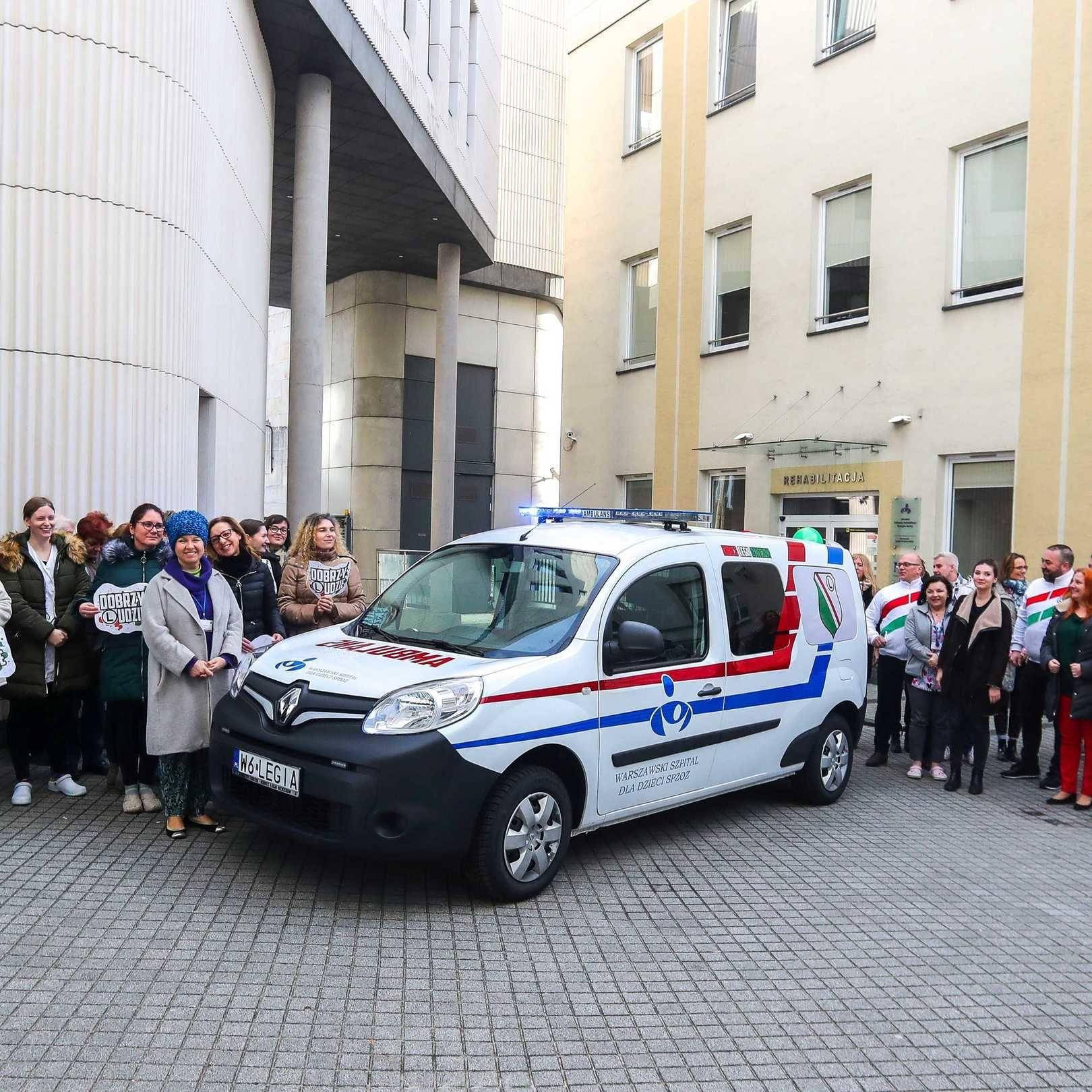 Dobrzy Ludzie przekazali ambulans Warszawskiemu Szpitalowi dla Dzieci SPZOZ [Wideo]