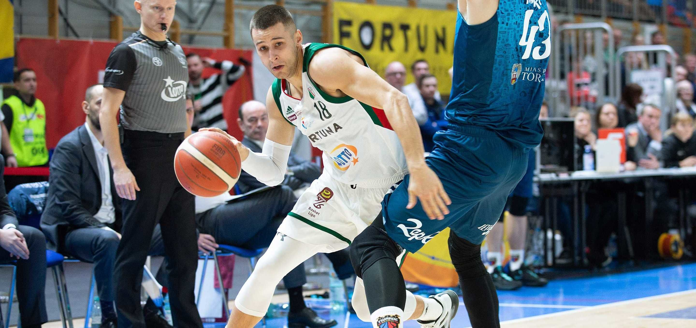Koszykówka: Zieloni Kanonierzy zbili Cukier na Kole [Wideo]