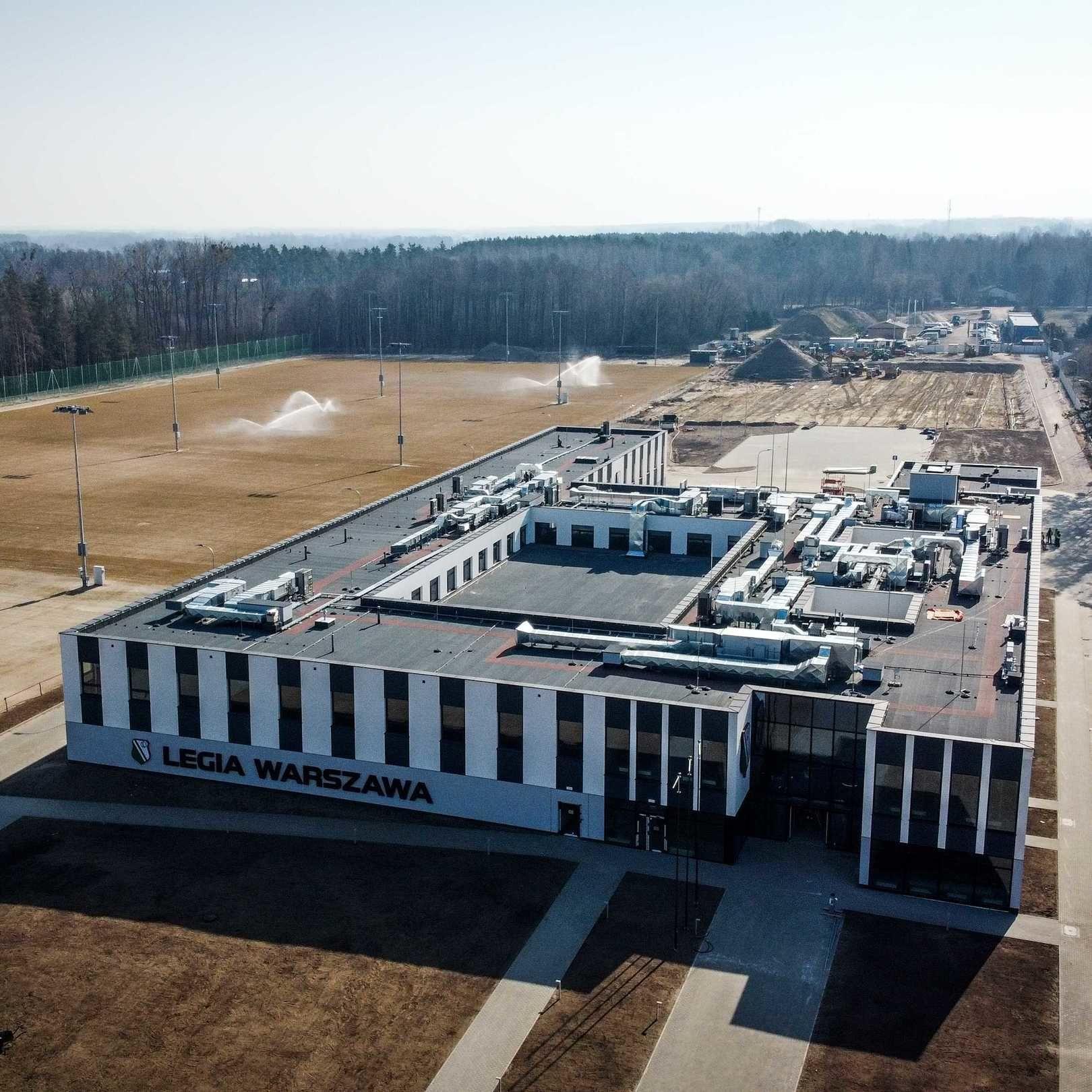 Rok temu rozpoczęto budowę Legia Training Center [Wideo]