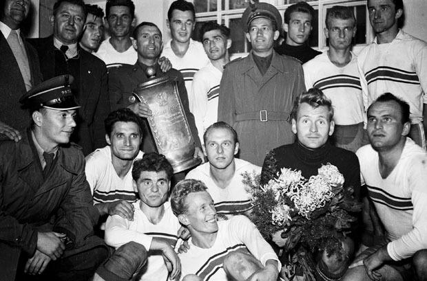 Historia 1951-1960