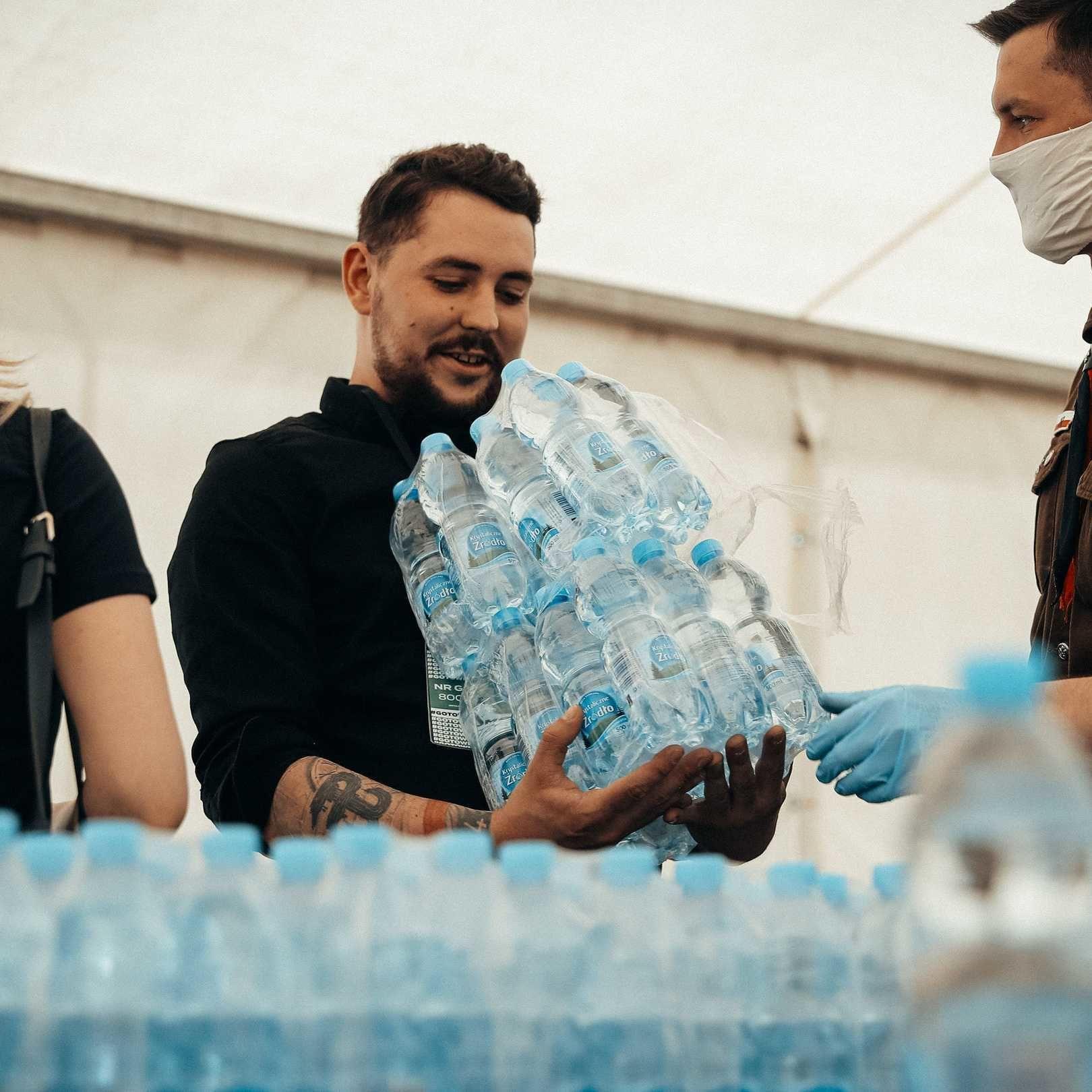 PepsiCo Polska w akcji #GOTOWIDOPOMOCY: chcemy pomagać seniorom