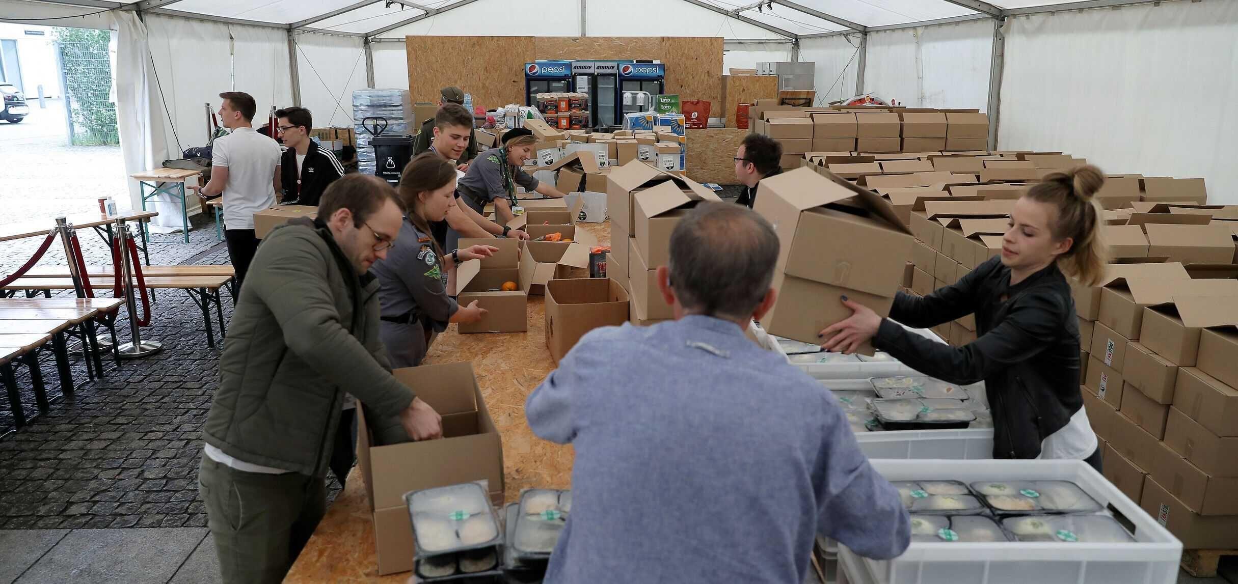 Rok akcji #GotowiDoPomocy – 50 tysięcy posiłków dla seniorów